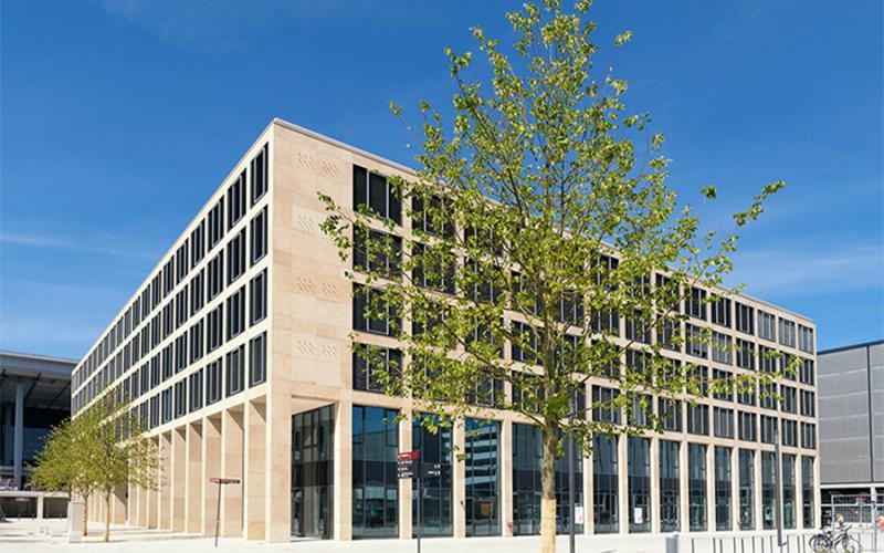 Flughafen Berlin-Brandenburg Malerarbeiten Bürogebäude